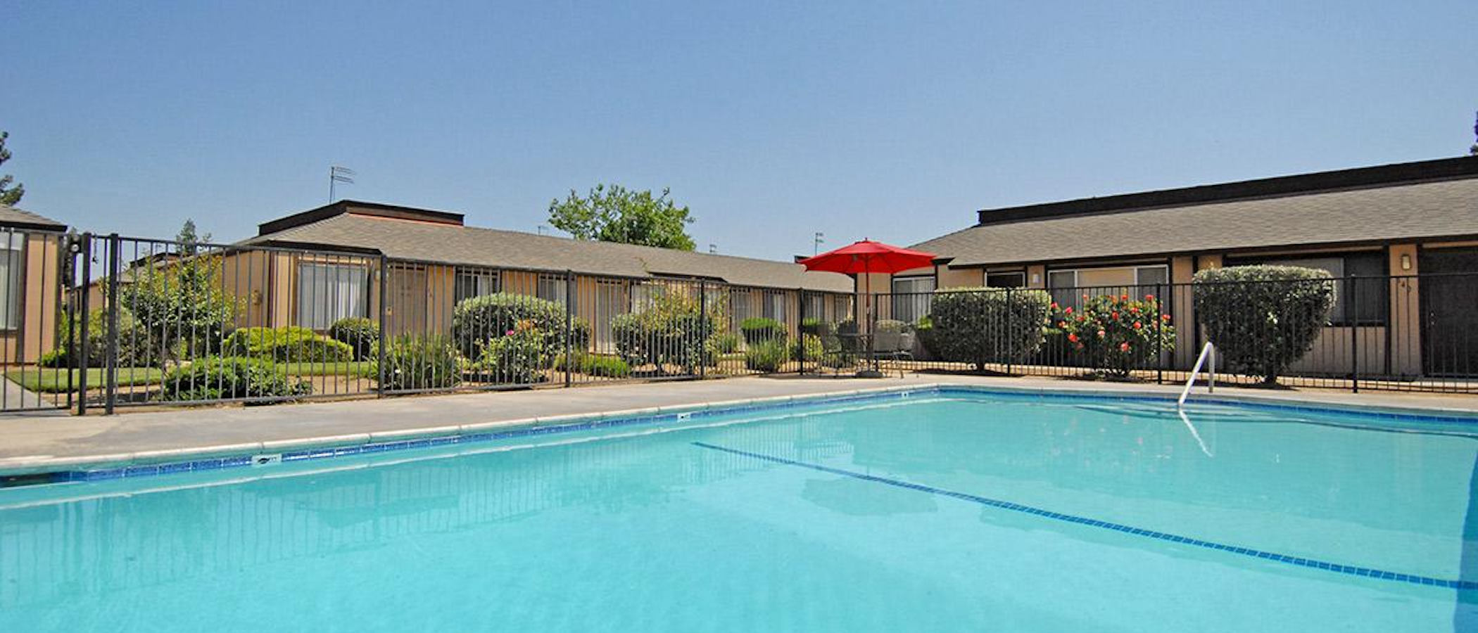 Ashbrier And Sandalwood Apartments In Fresno Ca